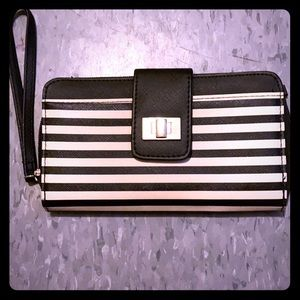 🦋 Black and white womens wallet